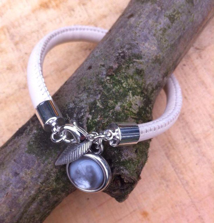 Enkele armband met cabochon steen