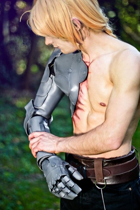 This is incredibly well done Ed Elric ( Fullmetal Alchemist ) cosplay even if I can't exactly do it myself.