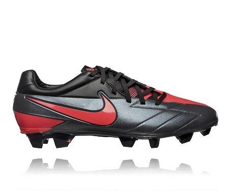 Nike T90 Laser IV FG SR - se fotbollsskorna på stadium.se: http://www.stadium.se/sport/lagsport/fotboll/128836/nike-t90-laser-iv-fg-sr