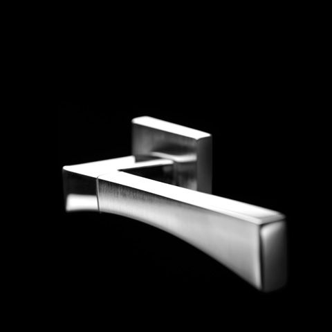 LIFE series 1170.    Designed by CENTRO STILE MANDELLI  Produced by Officine Mandelli1953 Maniglie - Door Handles / Levers  ALL MADE IN ITALY All Solid Brass.   Photo by Davide Bordogna   Since 1953 our products are the highest expression of Italian craftmanship in the world of luxury house.