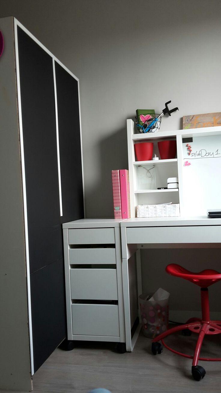 25 beste idee n over geschilderde garderobe op pinterest oude meubels vintage kleerkast en - Scheiding meubels ...
