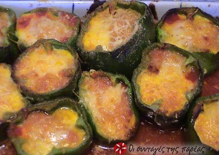 Πιπεριές με φέτα στο φούρνο