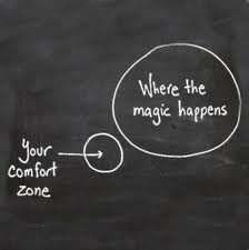 Nessuno può convincere un altro a cambiare. Ciascuno di noi è il custode di un cancello che può essere aperto soltanto dall'interno. Noi non possiamo aprire il cancello di un altro, né con la ragione né con il sentimento.     Marilyn Ferguson