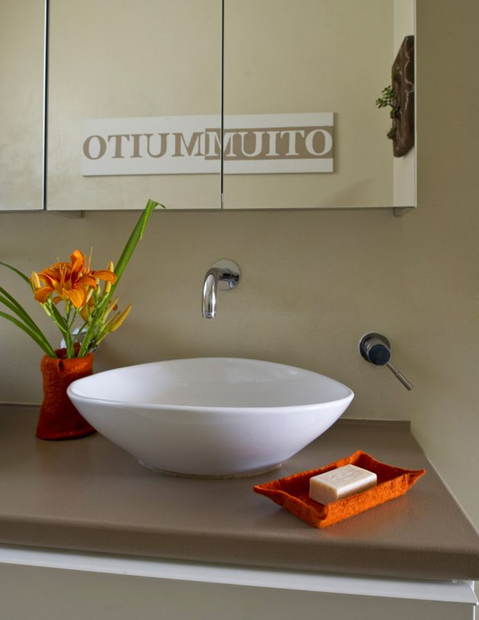 Design Judith Byberg Private house Ispra Photo Del Piano Navone. #interiordesign #furniture #bathroom