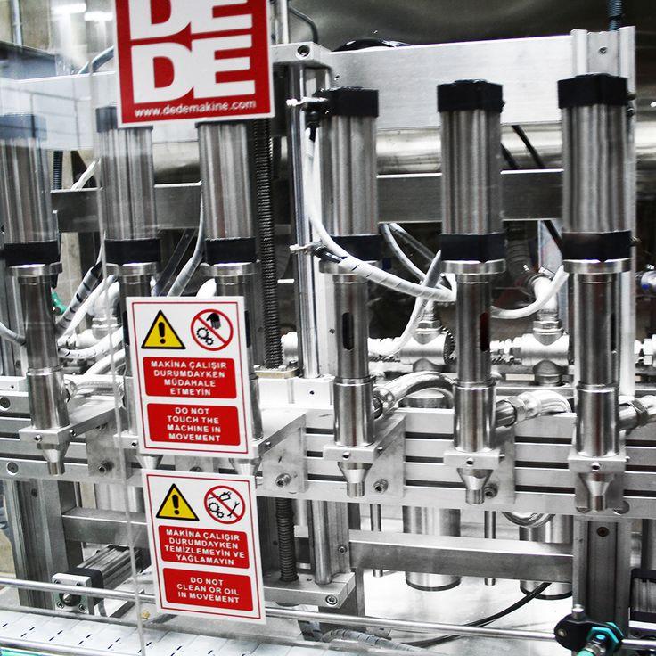 Dede Makine 30 yıldır, 1500 adedi aşkın makinemiz yurt içi ve yurt dışında farklı konularda iştigal eden şirketlere hizmet vermektedir.  30 yıldır gıda, kozmetik, boya, kimya ve ilaç sanayileri için dolum makinaları( sıvı dolum, bal dolum makinası vs.), etiketleme makinaları ve bunları tamamlayıcı üniteler ile hizmet vermekteyiz. Web Sitesi: www.dedemakine.com