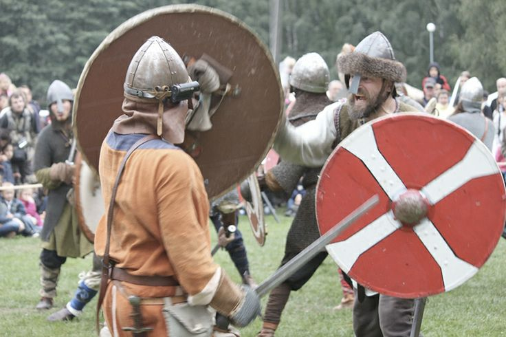 Hämeen keskiaikamarkkinat - Häme Medieval Faire 2011, Faravidin sudet - Wolves of Faravid, © Katja Klemola