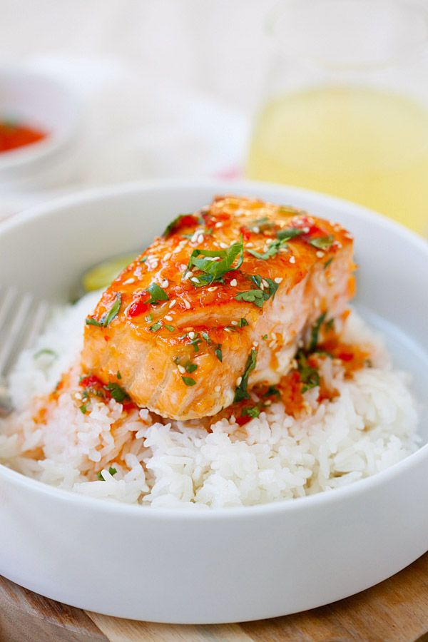 Sweet Chili Salmon - quick and easy salmon with Thai sweet chili sauce. The recipe takes only 15 mins in the skillet or you can bake it.