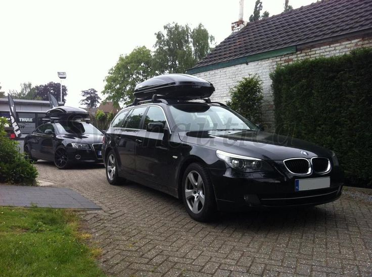 Motion 800 Black Glossy Op Een Bmw 5 Touring Thule