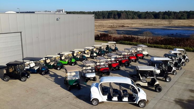 """Welkom in de wondere wereld van de door groene energie aangedreven golfkarretjes. Wij kunnen u zowel nieuwe als jong gebruikte golfkarretjes aanbieden, eventueel ge-assembleerd naar eigen keuze.Wij beschikken eveneens over een aanbod van """" special cars """"die u kan terug vinden in de hoofding. Ver..."""