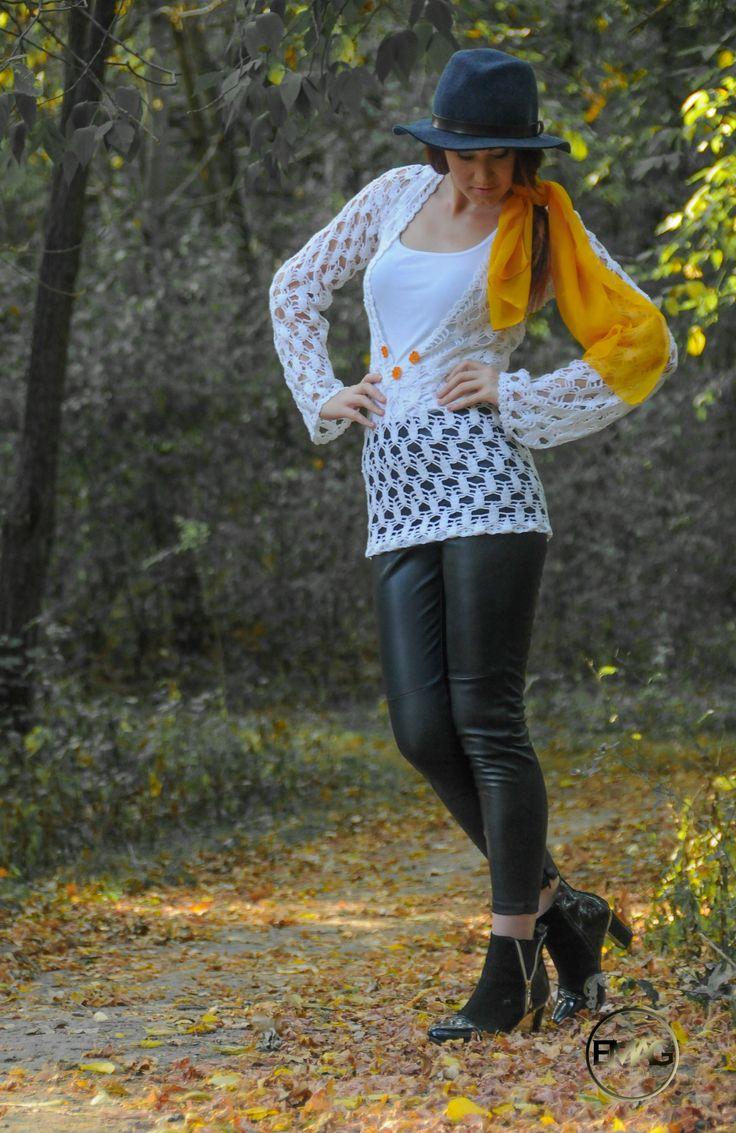 Bluza alba crosetata manual