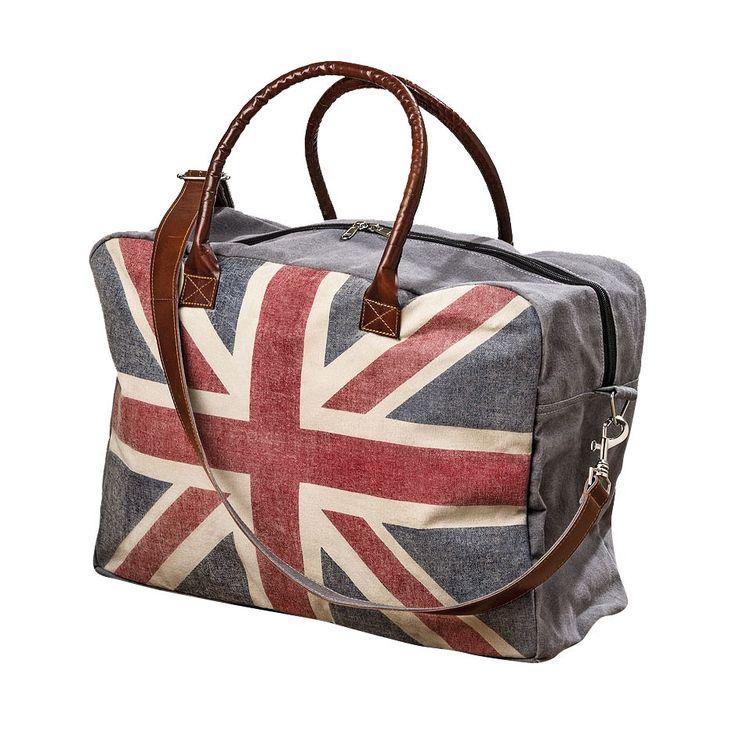 Draag je spulletjes bij je in stijl in deze ruime grijze tas met op de voorzijde een opdruk van de Britse vlag. De tas is afgesloten met een rits en heeft aan de binnenzijde een extra vakje. De tas is gemaakt van stevig gerecycled canvas, heeft stoere bruine imitatielederen handvatten en een los te klikken schouderband. Afmeting: lengte 48 cm - Tas Britse Vlag