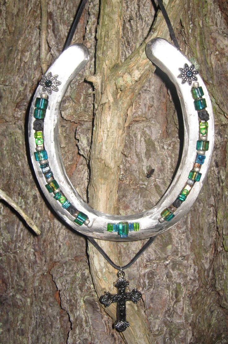 The 156 best images about horseshoe crafts on pinterest for Horseshoe arts and crafts
