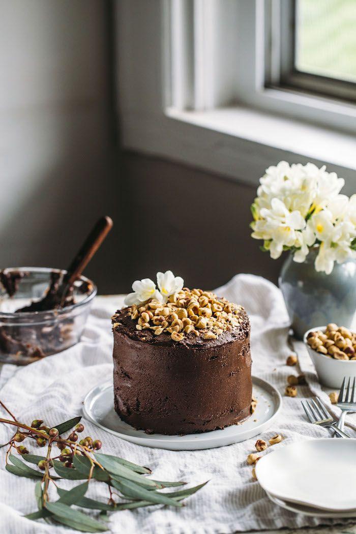 vegan nutella cake | thealmondeater.com
