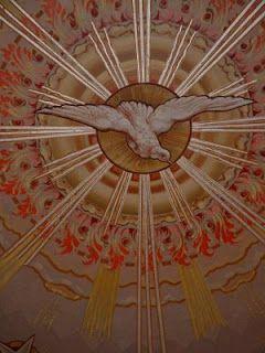 Indah sekali, Roh Kudus yang Allah Bapa anugerahkan kepada kita melalui Yesus Kristus setelah kenaikan Tuhan Yesus ke sorga, bukan saja berperan sebagai Penghibur yang setia dan yang menguatkan orang-orang percaya, namun Firman Allah juga memberitahukan kita bahwa Roh Kudus juga berperan sebagai Penolong dalam doa-doa kita...