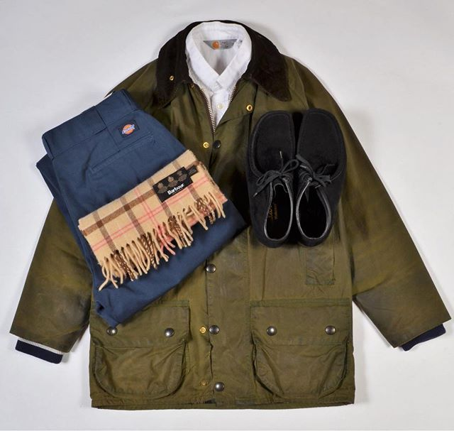 2017/11/17 20:10:03 labor_store - Barbour Beaufort (size S) price 4800 ru - Clarks Wallabee ( UK7.5) price 2500ru - Barbour Scarf (100% wool) price 2500 ru - Dickies pant (W32L32) price 2500 - Carhartt white shirt ( size S). #barbour #carhartt #dickies #clarks #labor #labor_store #laborstore
