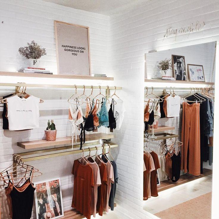 "70 curtidas, 1 comentários - Luisa Meirelles (@luisameirelles) no Instagram: ""Tudo indo (lindo) por lá ❤ #mylmstyle @shop.luisameirelles"""