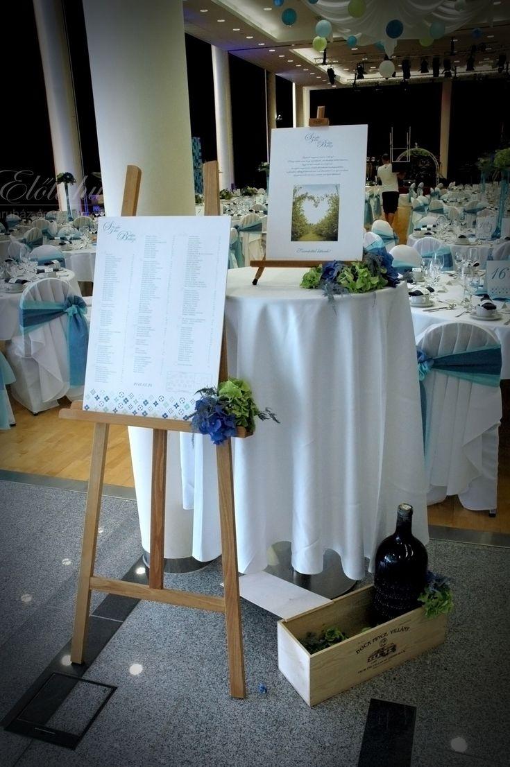 Fa állítható ültetési rend tartó. Nagyobb, 150 fő feletti esküvőhöz ajánljuk.