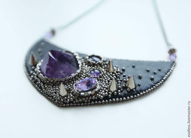 """Купить Колье """"The rough amethyst"""" - чёрный, фиолетовый, темно-фиолетовый, аметистовый, украшение с шипами"""