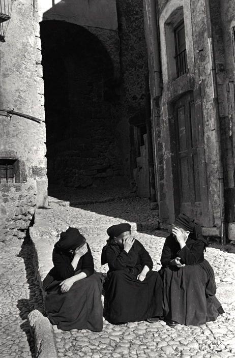 Italy, Abruzzo, Scanno,1951 - Henri Cartier-Bresson