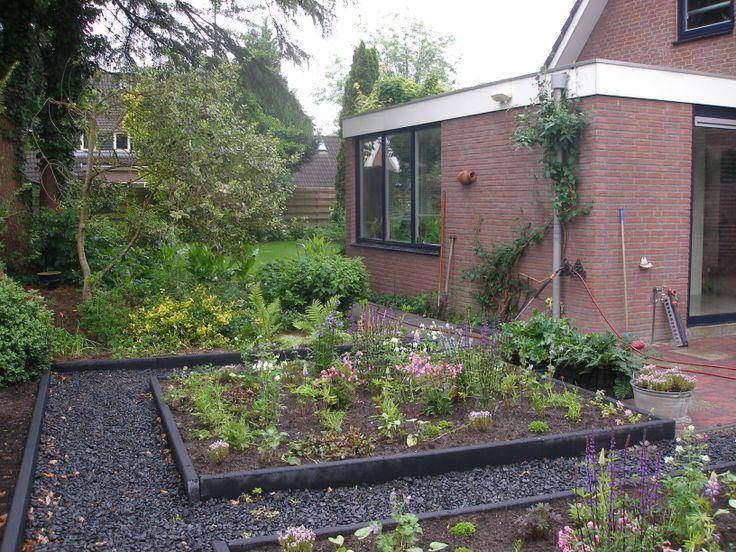 Meer dan 1000 idee n over klein terras op pinterest klein terras decoreren idee n voor patio - Deco hangende toilet ...