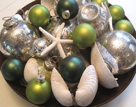 Decorative Christmas bowl