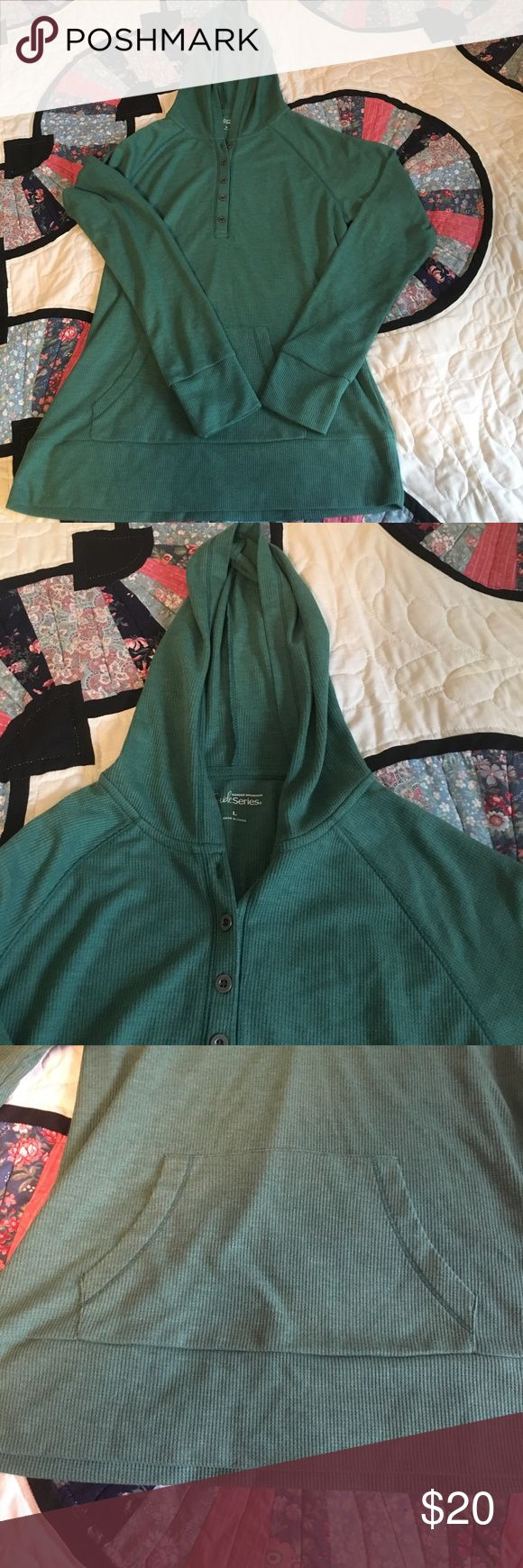 Gander Mountain Guide Series long sleeve Gander Mountain guide series long sleeve green top with hood. Size large. Material is super soft. No tags but never worn. Gander Mountain Tops Tees - Long Sleeve