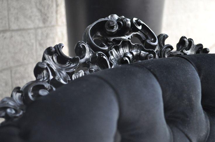 Poltrona in stile barocco, in diverse colorazioni e rivestimenti