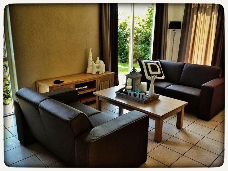 Bungalow 703 is in juli 2013 voorzien van nieuwe meubelen in de woonkamer, keuken en slaapkamers. Boek hem op voorkeur via onze website: www.ijsselhof.eu