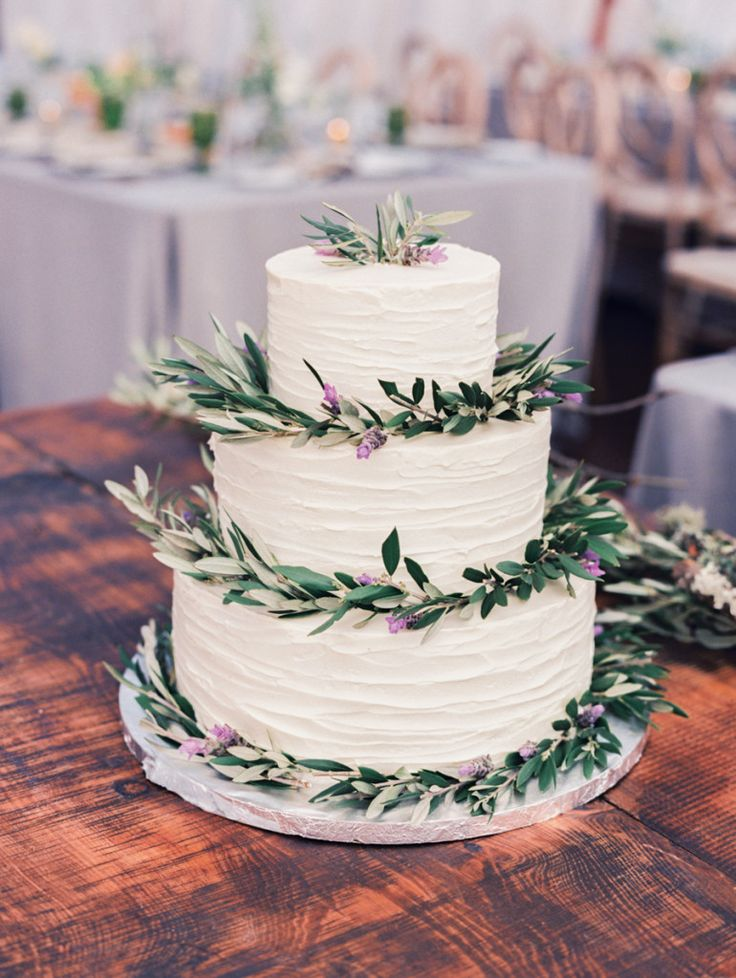 Wedding Cake by Alexis Baking Company | Jesse Leake | Snippet & Ink