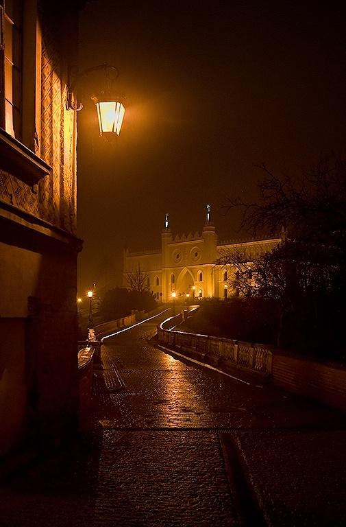 <3 'Zamkowa Street and Lublin Castle' © 2009 Copyright © 2004-2012 Tomasz Dziubinski.'
