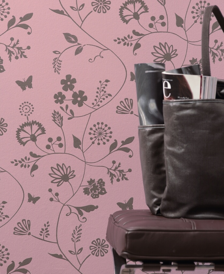 Verfijnd, klassiek, oud roze behang.