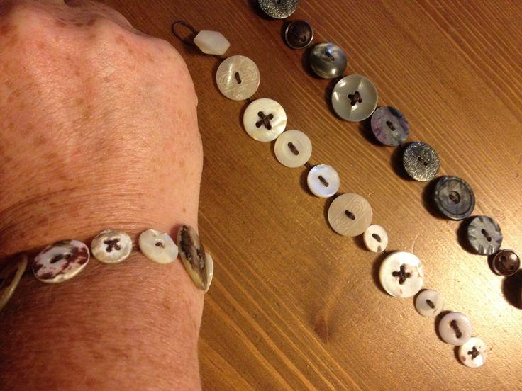 Armband av farmor/mormors gamla knappar.
