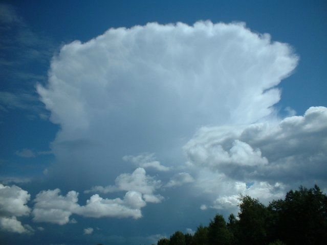Anvil cloud. This is my friend Eero Karvinen gorgeous photo. #photos #images #pics #clouds #sky #nature