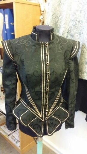 Tudor style jacket made by me: Ravnens Datter