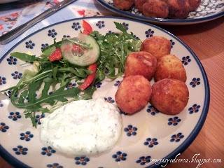 Drobiowe kulki z sosem tzatziki / Meatballs with tzatziki