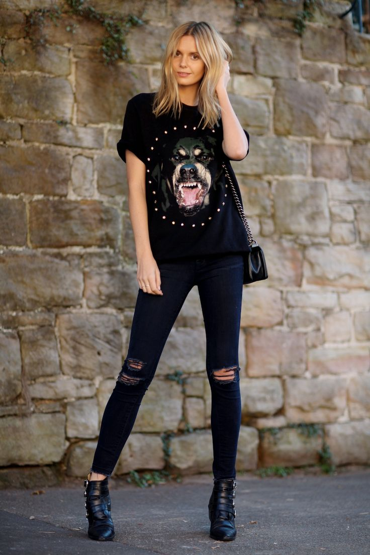 Tuula Vintage in J BRAND 8227 Photo Ready Ankle Skinny in Blue Mercy.