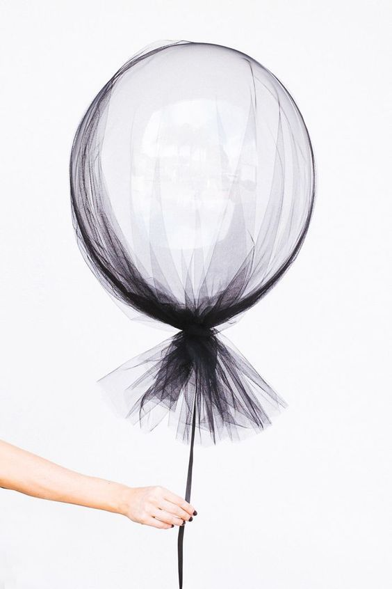 Black netting and helium balloons perfect for any black & white wedding! You can find everything you need for this DIY wedding decoration at http://www.afloral.com/  #afloral
