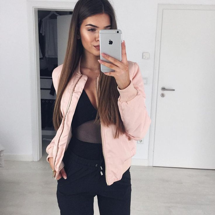 "Iva Nikolina Juric auf Instagram: ""Light pink bomber jacket @myy_stylee_15 / Body @windsorstore / Pants @leafashionclub"""