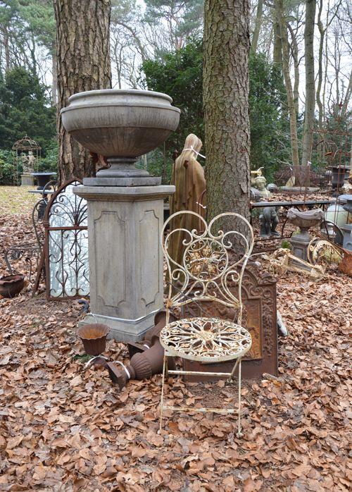 17 beste afbeeldingen over brocante buiten outdoors op pinterest tuinen brocante en tuinfeesten - Deco halloween tafel maak me ...