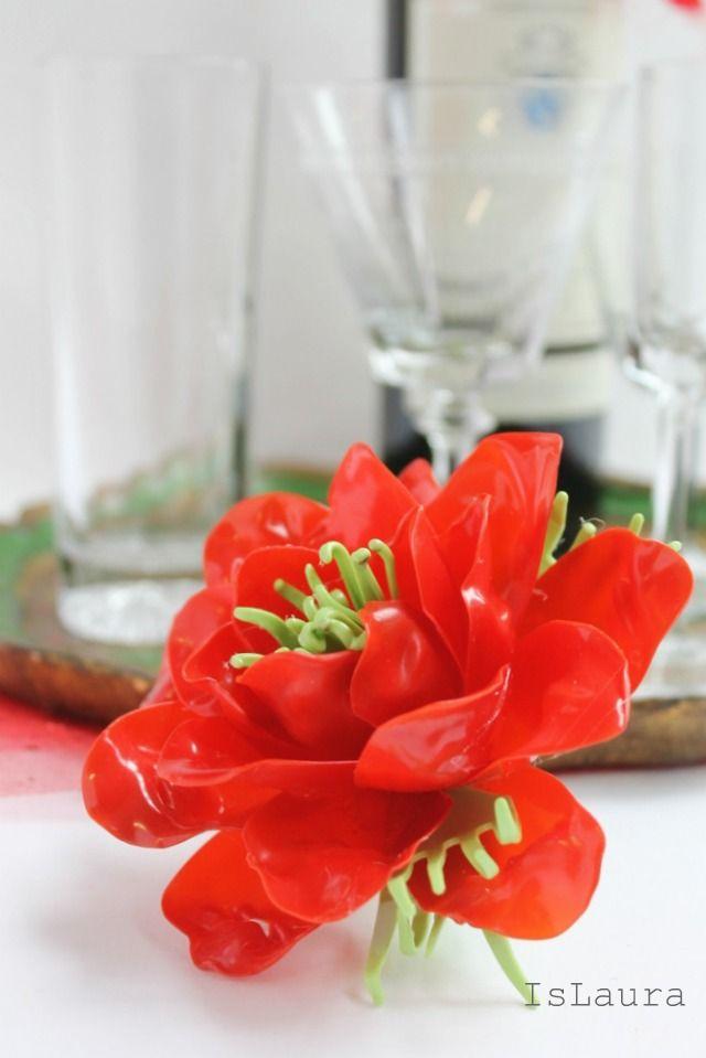 Come fare un fiore con posate di plastica