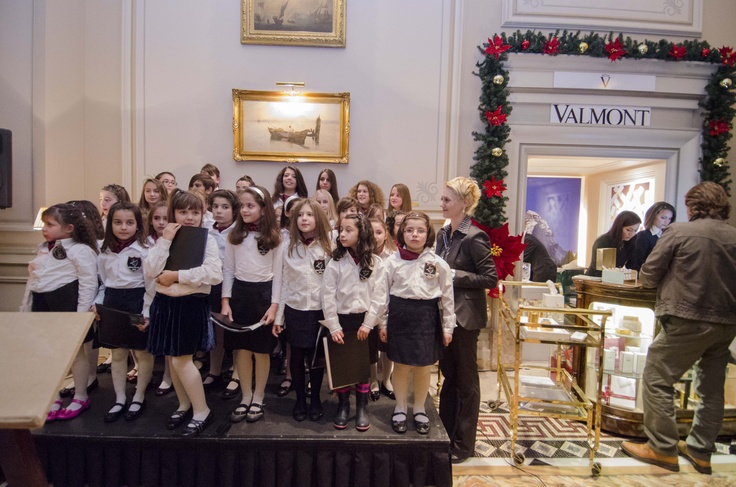 a chorale of children sang on 4th December for the Boutique opening & Christmas tree lighting