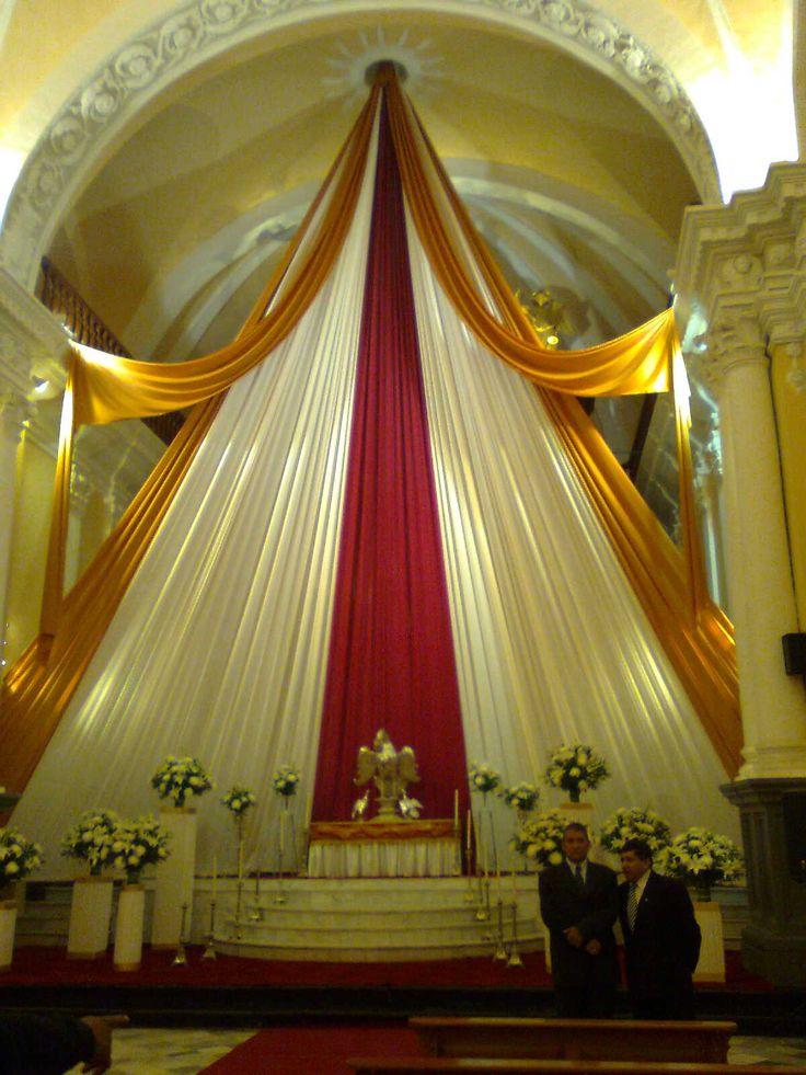 264 best decoracion de altares images on pinterest for Decoracion cortinas