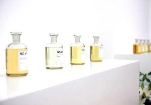 berlin perfume shop frau tonis parfum blends perfectly individualized fragrances