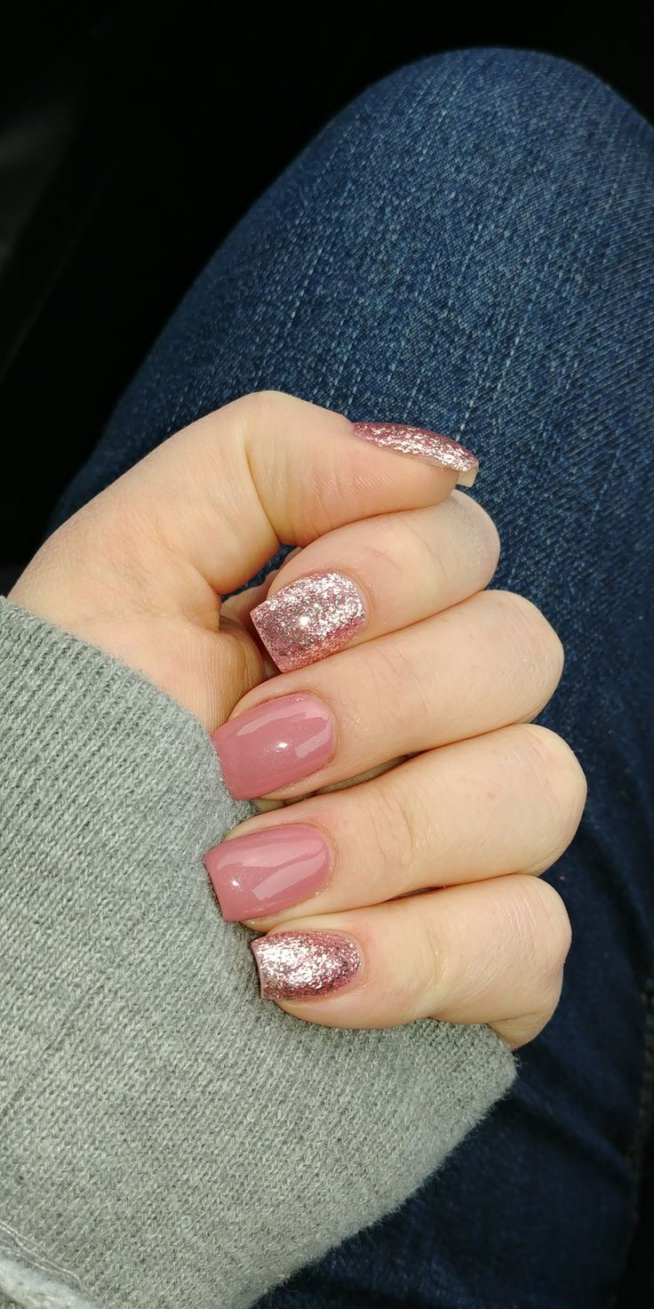 Acrylic nails pink sparkle #short #acrylicnails