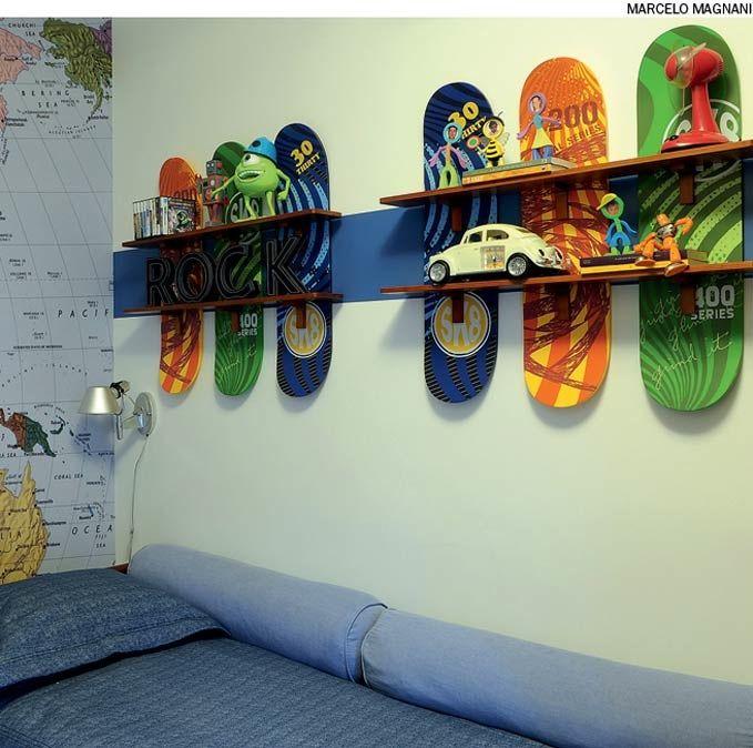 estas prateleiras foram adquiridas na loja americana pottery barn kids mas podem ser facilmente reproduzidas - Skateboard Regal Kinder Schlafzimmer