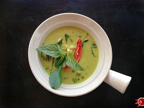 How to make an authentic Thai green chicken curry. We've been to Thailand and learnt the tricks of the trade, trust us - you'll love this recipe and wish you'd of made more!