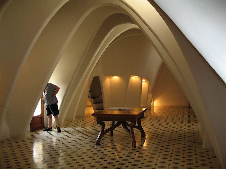 gaudi house interior - photo #10