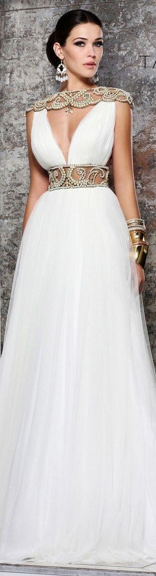 http://www.beadshop.com.br/?utm_source=pinterest&utm_medium=pint&partner=pin13 vestido de noivas com strass e perolas