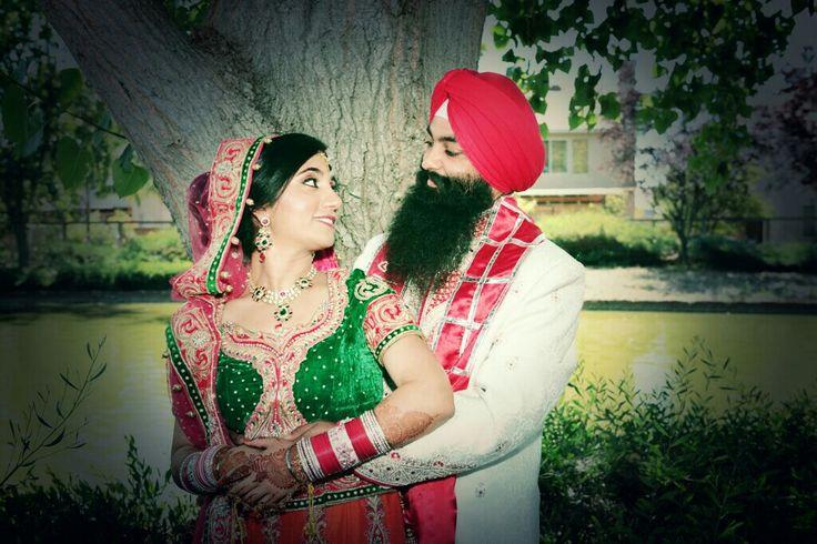 Love the colors #Sikhwedding#punjaban #indianwedding #weddingphoto #indianbride #jewelry #lehnga