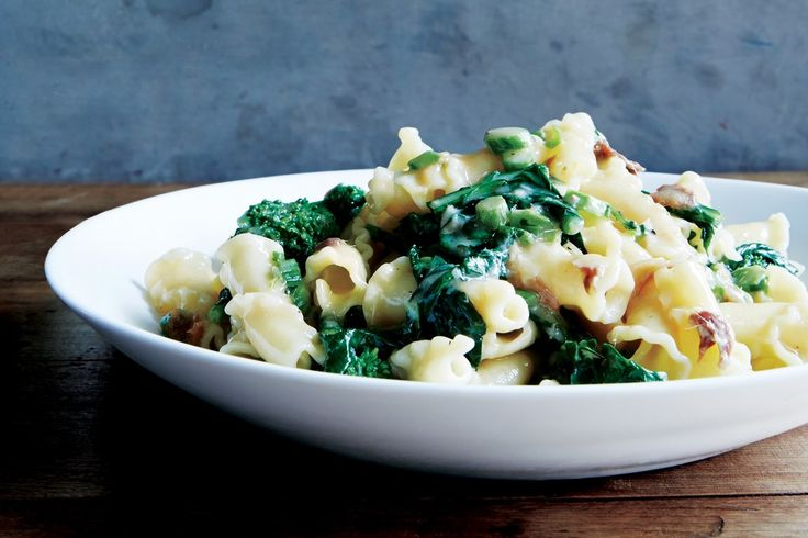 Pasta with Anchovy Butter and Broccoli Rabe